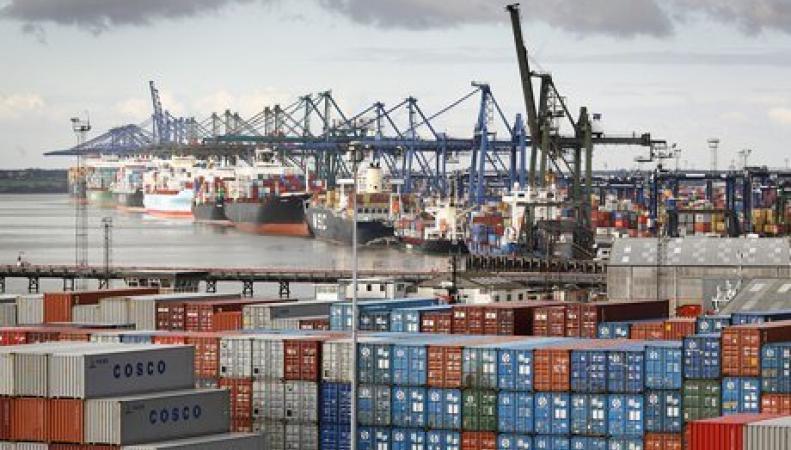 Дефицит торгового баланса Великобритании удвоился вопреки  удешевлению экспорта фото:thisismoney.co.uk