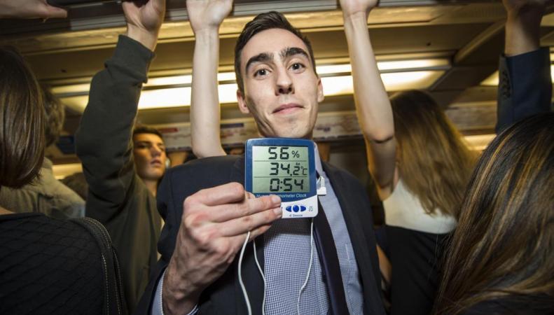 Обмороки в лондонском метро: Кондиционеры только усугубляют жару фото:standard.co.uk