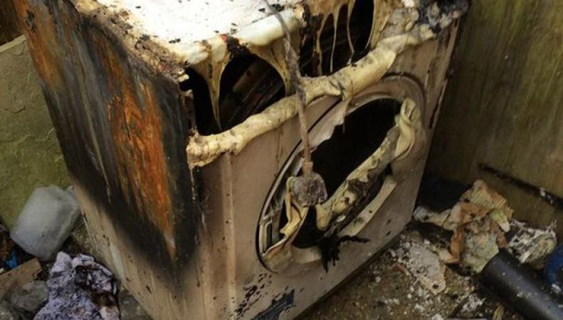Компанию Whirlpool обвиняют в пожарах в британских домах фото:mirror.co.uk