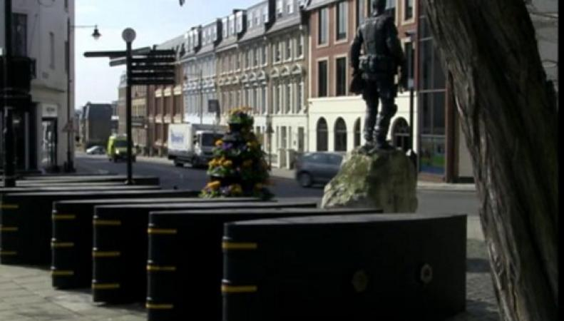Жители Виндзора недовольны установкой контртеррористических барьеров у замка фото bbc