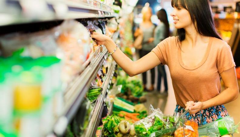 Британская розничная сеть начнет продавать просроченные продукты