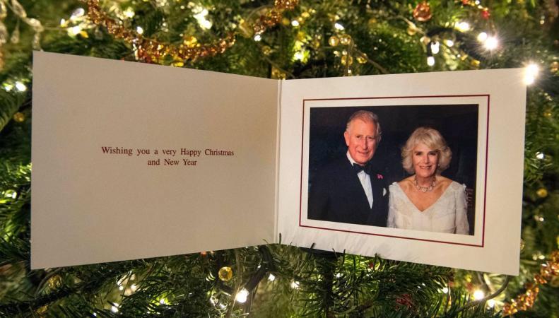 Новости королевской семьи: Рождественские открытки и обучение принцессы Шарлотты