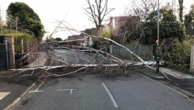 На Великобританию надвигается штормовой фронт шириной в тысячу миль