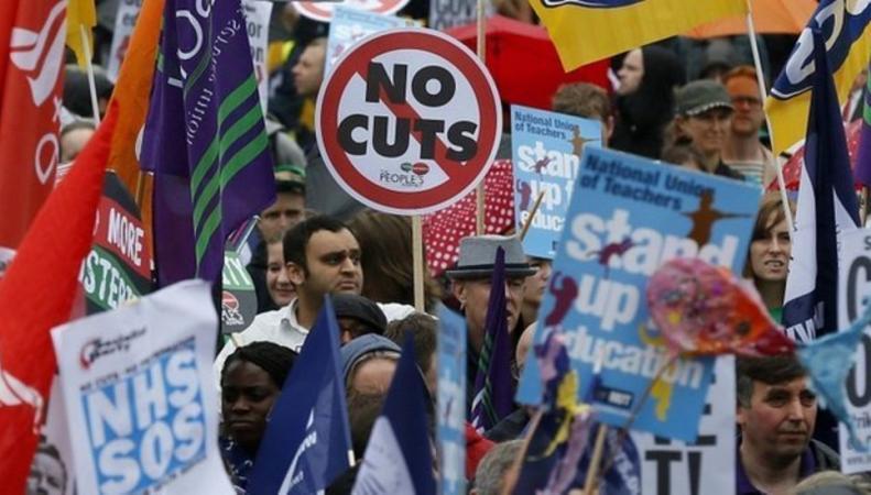 Британские учителя школ объявили забастовку фото:bbc.com