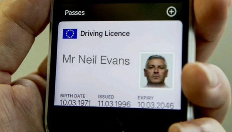 Британцы смогут загрузить водительские права на смартфон