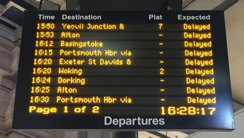 Экстремальная жара нарушила работу железных дорог по югу Англии фото:bbc.com