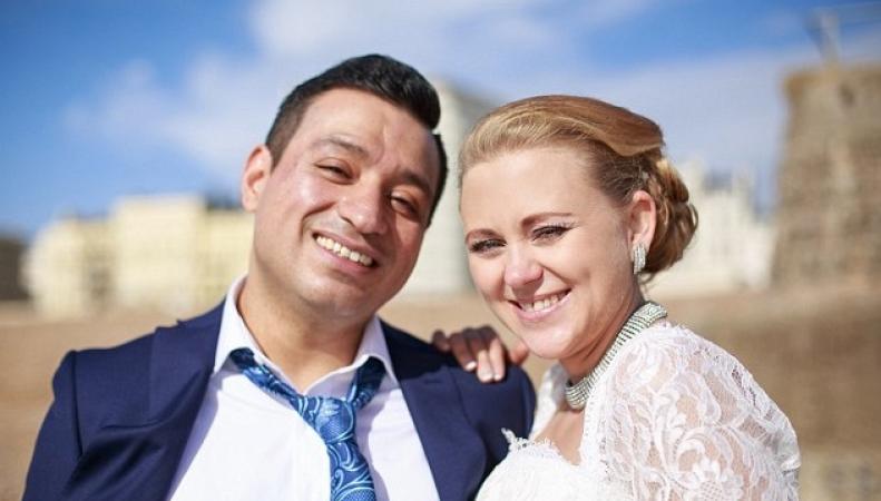 Россиянку разлучили с мужем из-за его бедности