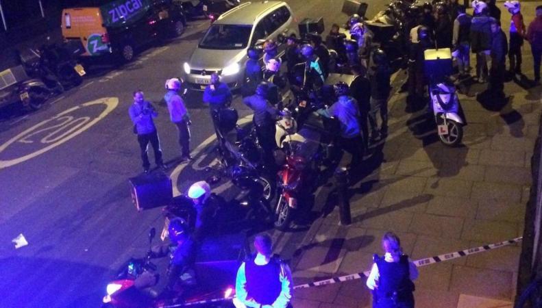 Кислотный террор в Лондоне: пятеро пострадавших за полтора часа фото:independent