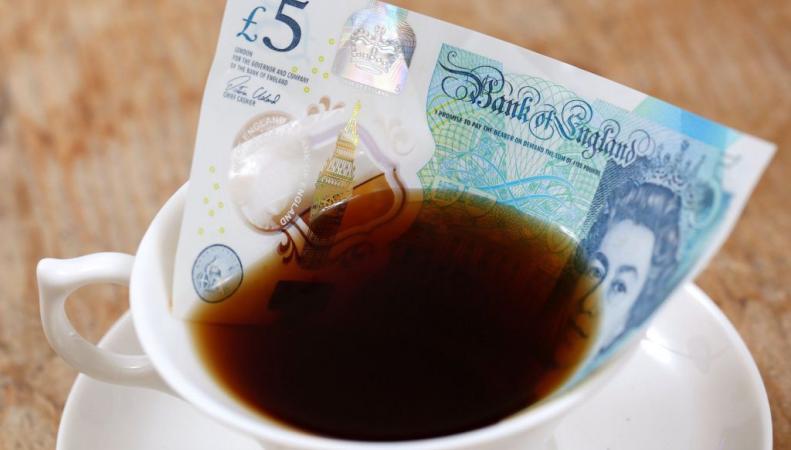 Пластиковая банкнота 5 фунтов