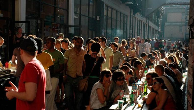 Британцы откладывают взросление «на потом» фото: theguardian.com