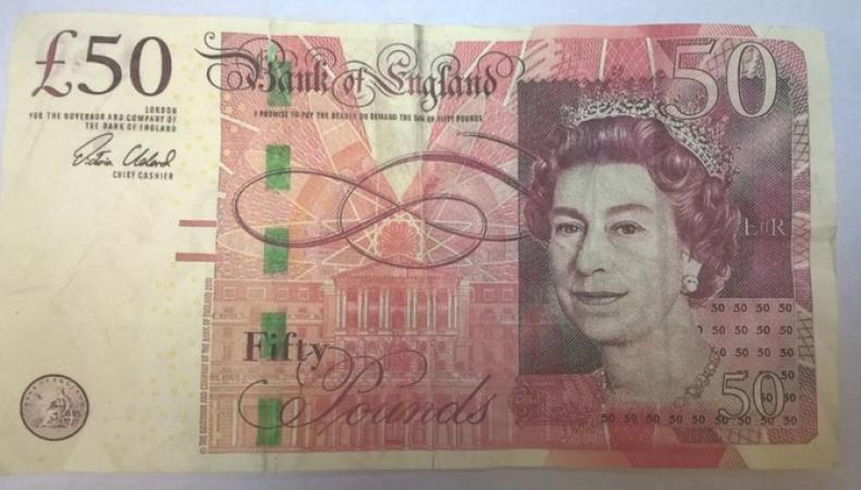 Полиция предупреждает о фальшивых пятидесятифунтовых банкнотах фото:itv