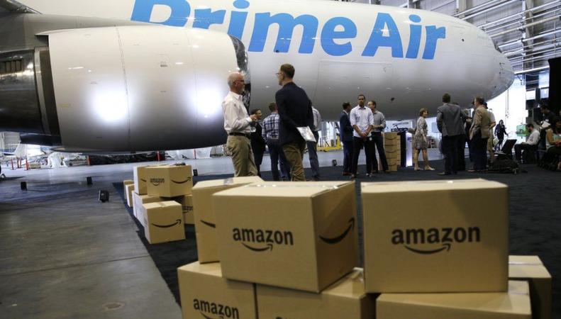 Amazon в Великобритании оштрафован за авиаперевозку опасных грузов фото:bbc.com
