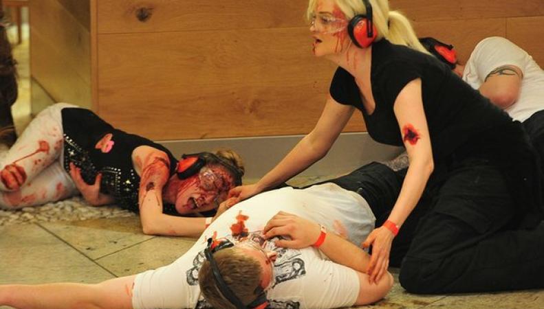 В Манчестере отработали сценарии теракта в торговом центре фото:theguardian.com