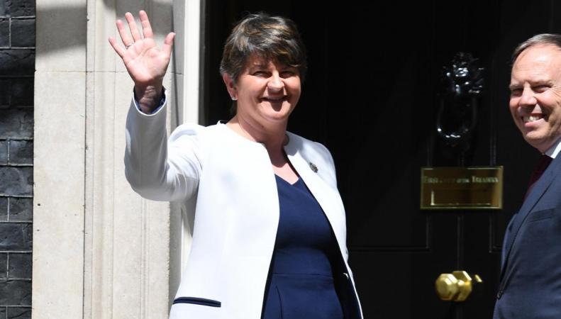Переговоры о создании коалиционного правительства завершены без заявления для СМИ фото:standard.co.uk