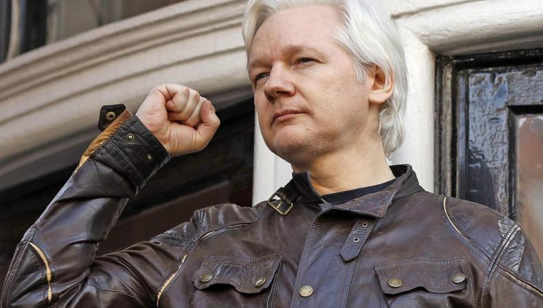 Джулиан Ассанж покинет Лондон гражданином Эквадора