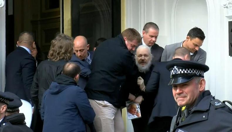 Джулиан Ассанж арестован в Лондоне