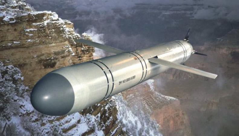 Британские СМИ в панике обсуждают характеристики новой российской гиперзвуковой ракеты «Циркон»