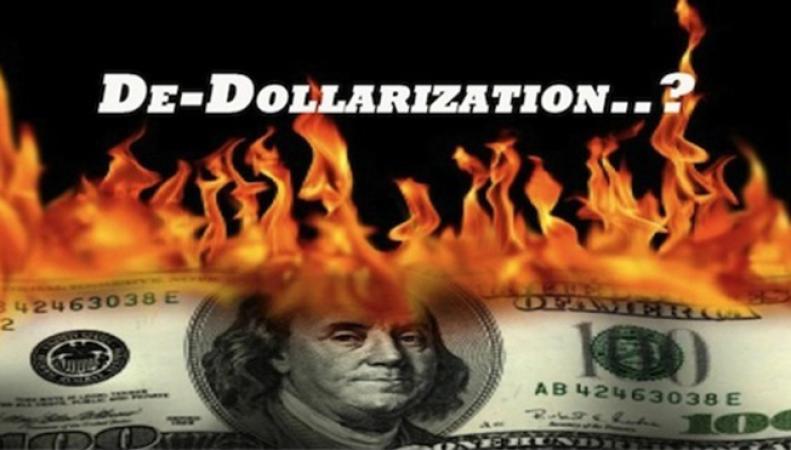 Путину предложили план дедолларизации России