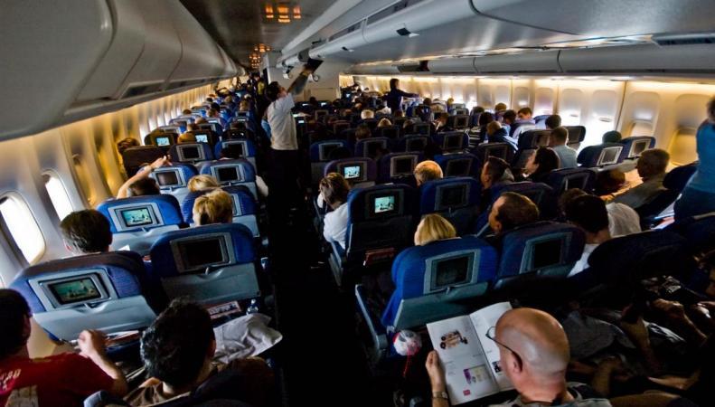 British Airways уплотняет эконом-класс на коротких рейсах  фото:independent.co.uk