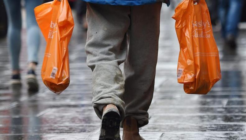 FCA предупреждает: Многоразовые сумки могут быть опасны для здоровья фото:independent