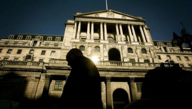 Курс фунта стерлингов к доллару поднялся до максимума за период после референдума фото:bbc