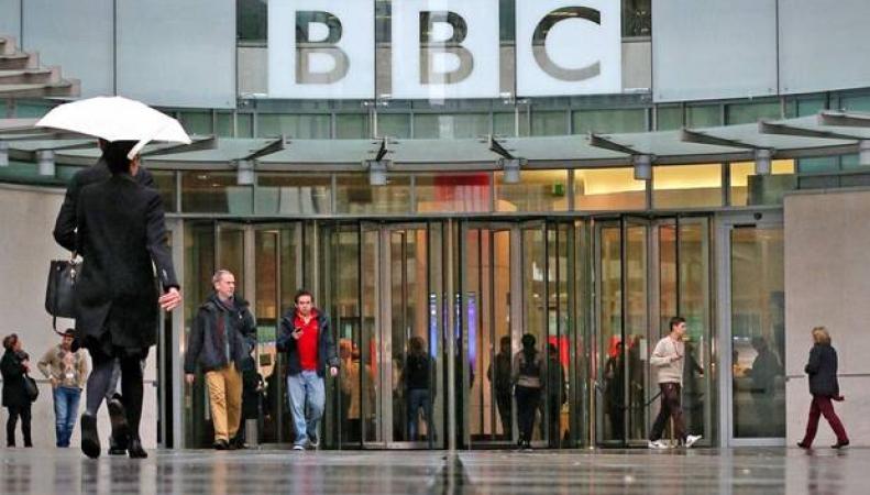 Би-Би-Си будет выслеживать зрителей с iPlayer без лицензии? фото:belfasttelegraph.co.uk