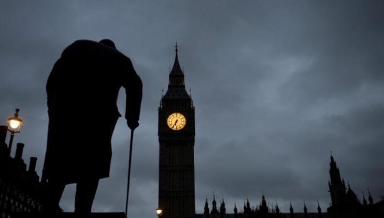 Standard & Poors намерен понизить кредитный рейтинг Великобритании фото:reuters
