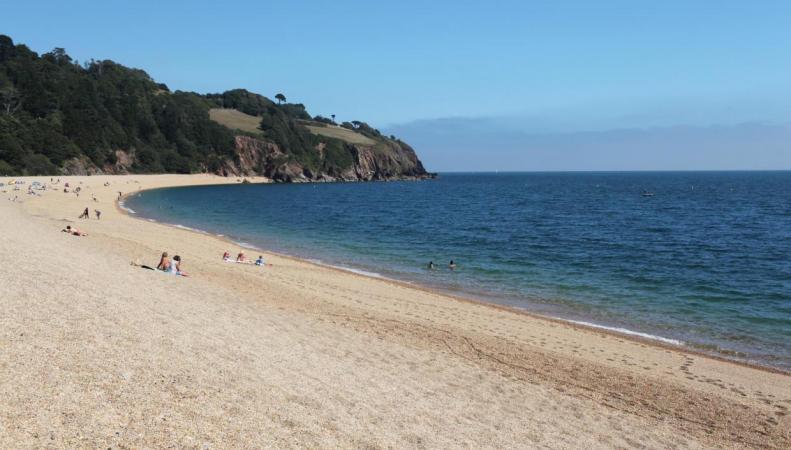 Названы самые чистые пляжи Англии
