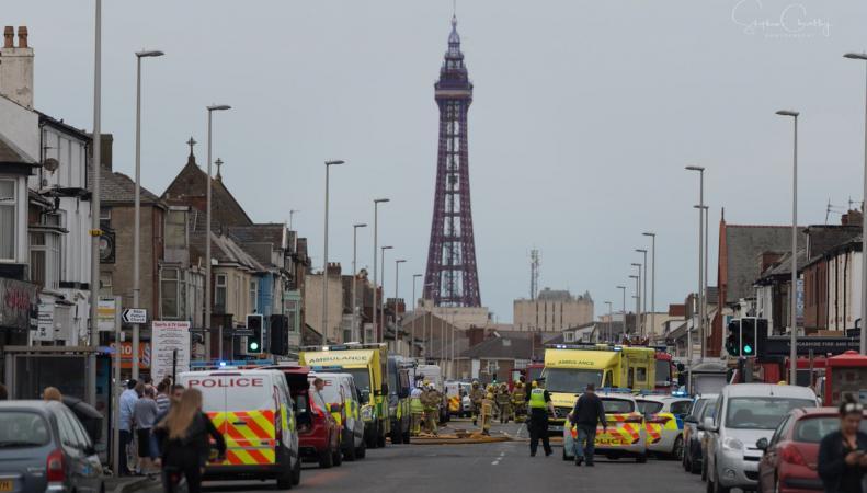 Пожар вспыхнул в основании башни Blackpool Tower