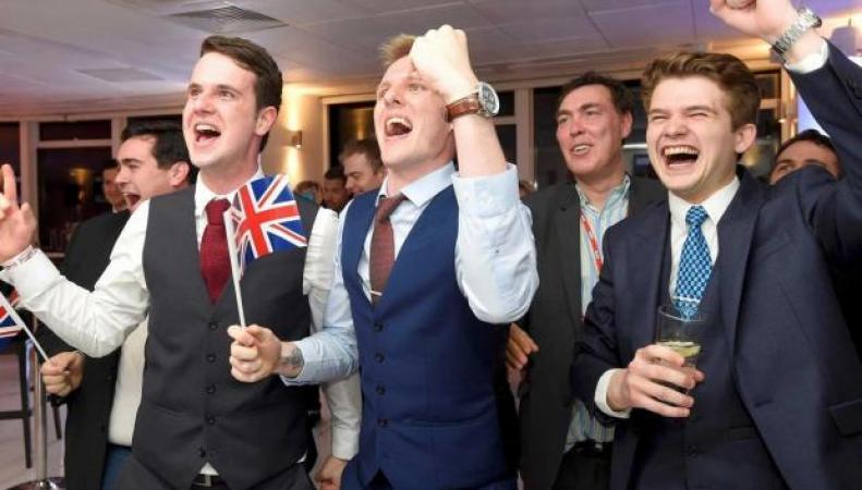 Британская молодежь проявляет высокую активность в регистрации для участия в выборах