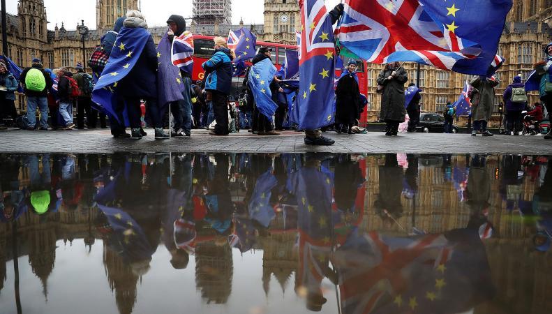 К кампании за повторный референдум о членстве в ЕС присоединились десятки депутатов