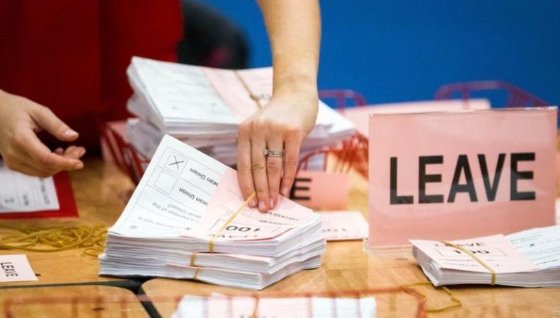 Великобритания проголосовала за выход из Евросоюза фото:bbc.com