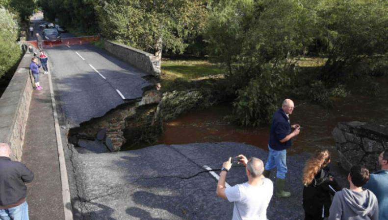 Наводнение в Северной Ирландии разрушило дороги и мосты