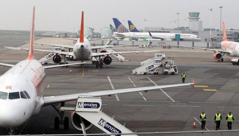 Аэропорт Бристоля приостановил работу по тревоге