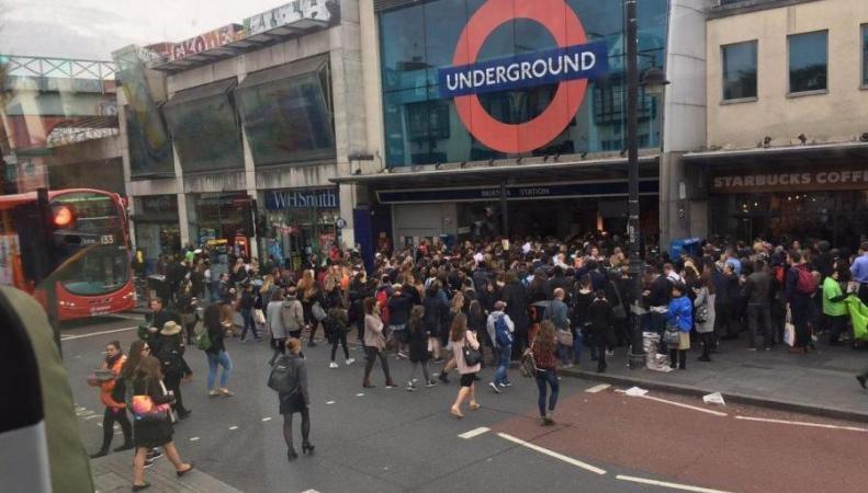 Сбой автоматики в Брикстоне парализовал линию метро Victoria в утренний час-пик
