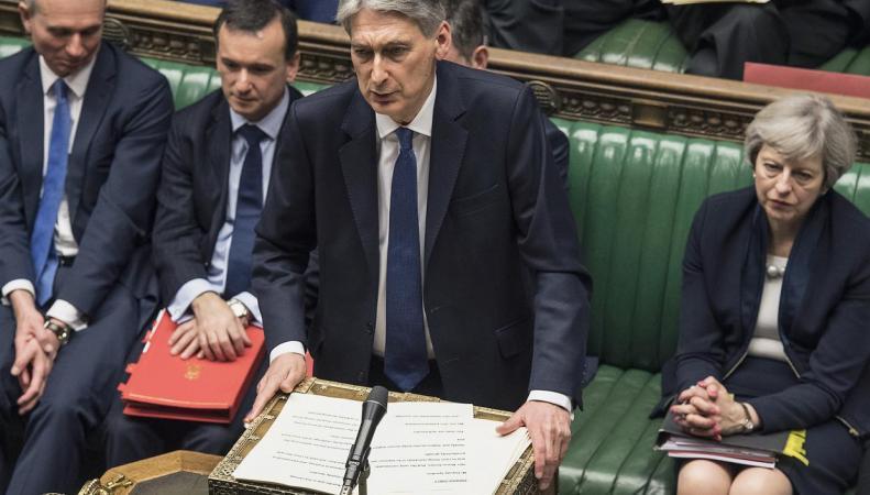 Правительство отказалось от повышения взносов National Insurance для самозанятых британцев фото:independent