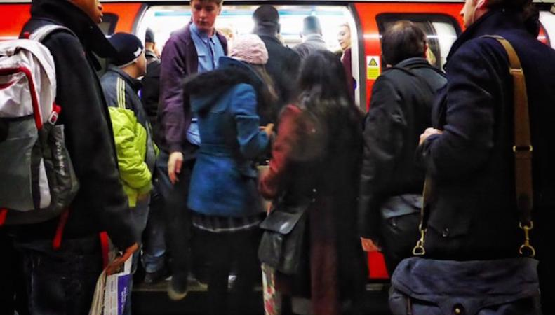 На линии лондонского метро Northern уплотнено движение поездов