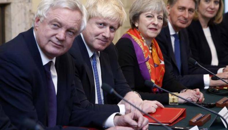 Перестановки в кабинете министров Терезы Мэй: зачем они нужны