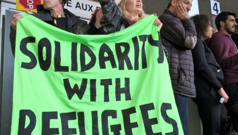 Франция не пустила британский гуманитарный конвой в Кале фото:theguardian.com