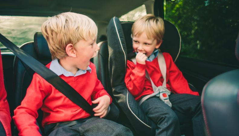 Великобритания ужесточит требования к перевозке детей в личных автомобилях согласно директиве ООН фото:thesun.co.uk