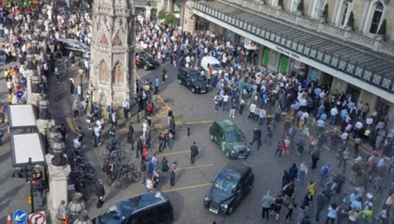 Станция Charing Cross  была перекрыта из-за угрозы теракта фото:thesun.co.uk