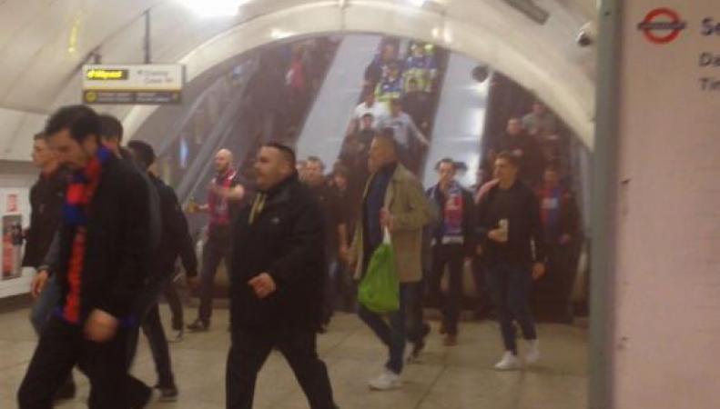 Станция метро Charing Cross эвакуирована из-за задымления фото:standard.co.uk