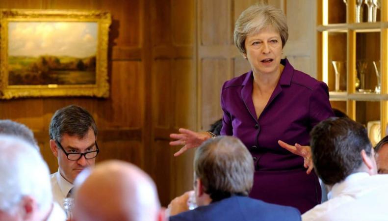 Саммит в Чекерсе: Почему в Великобритании разразился правительственный кризис