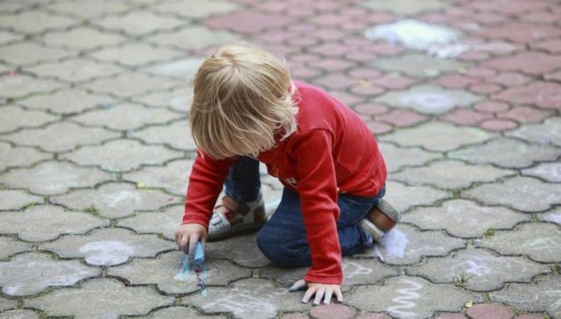 Обещание Кэмерона о бесплатных детских садах под угрозой срыва фото:bbc.com