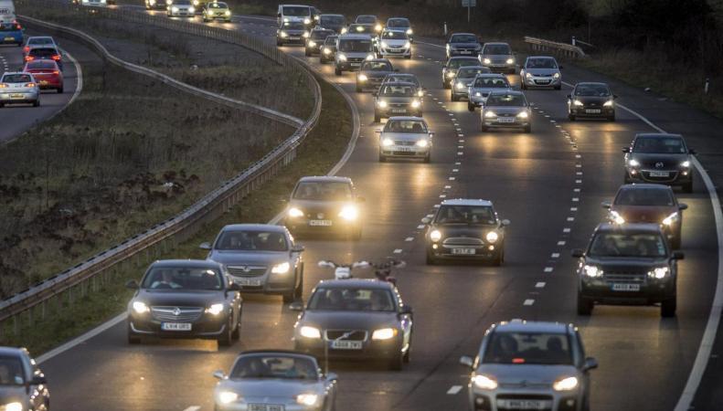 Рождественский исход: ситуация на дорогах Великобритании осложняется с каждым часом