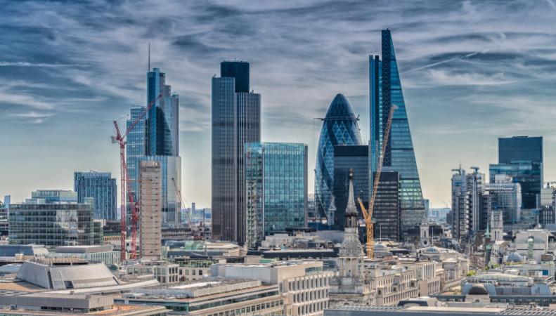 Лондонские визы предложены как мера спасения Сити после Brexit фото:dailymail.co.uk