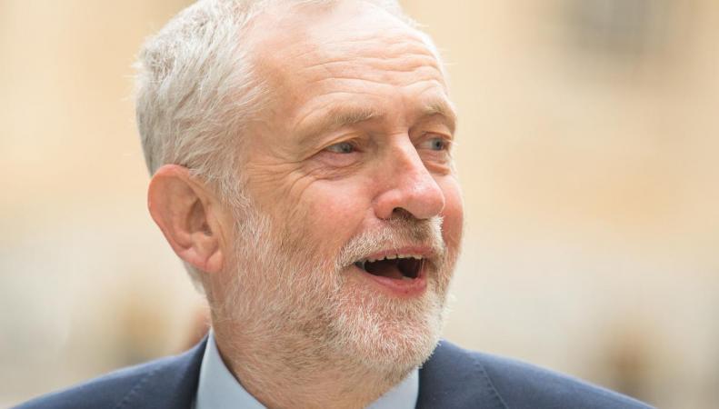 Отставание лейбористов от тори резко сократилось на старте предвыборной кампании