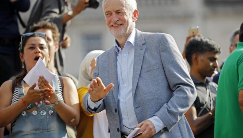 Правительственный кризис усилил электоральные позиции лейбористов