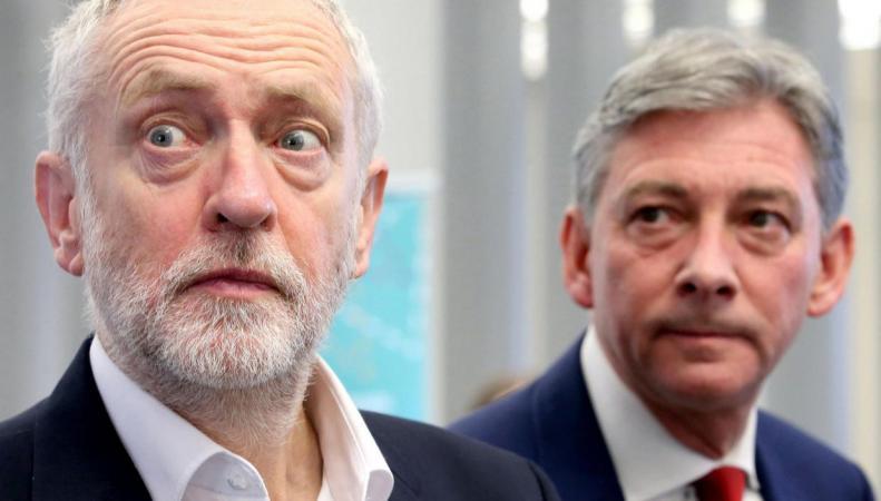 Лейбористы лидируют в опросах общественного мнения