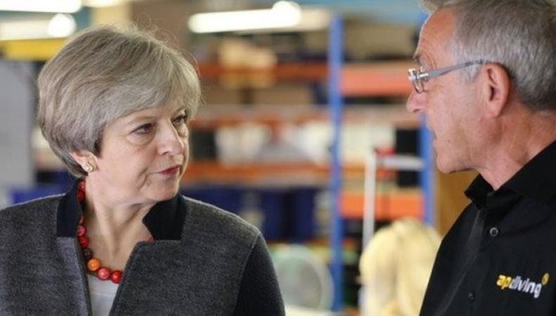 Британские СМИ ополчились против Терезы Мэй фото:bbc